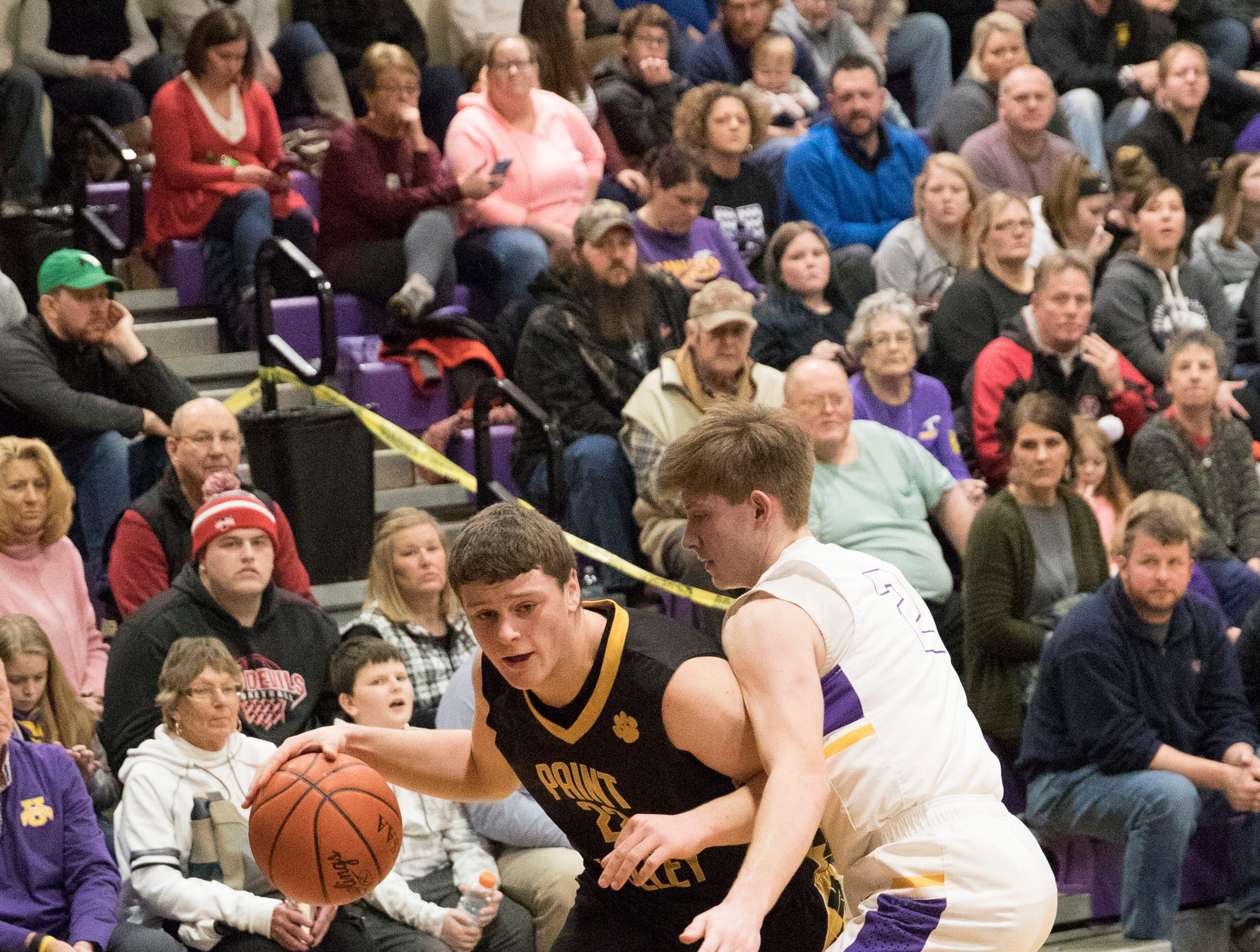 Paint Valley defeated Unioto 56-55 Friday night at Unioto High School, making Paint Valley fourth in the SVC.