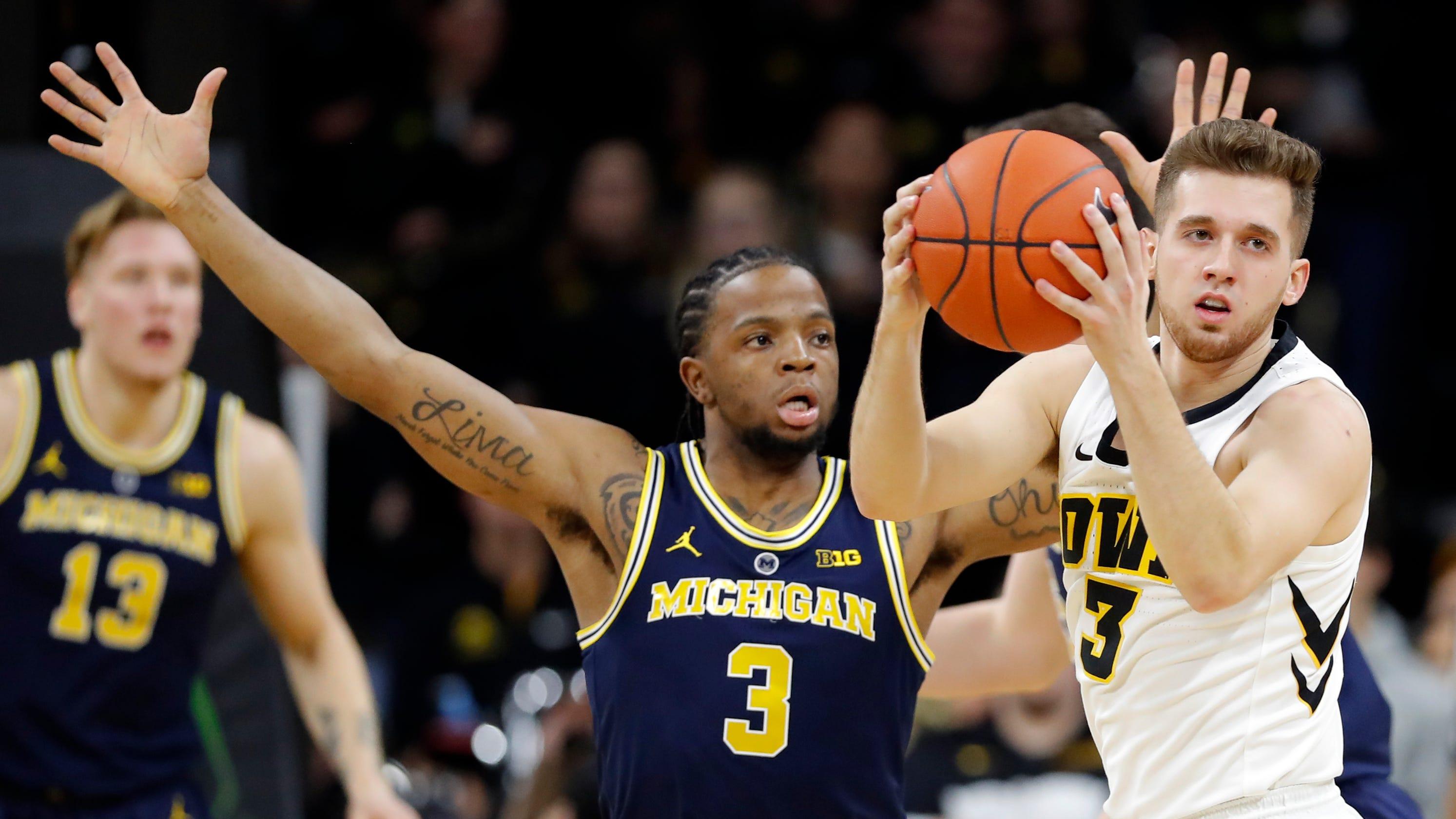 ee2edbdacb9d Michigan basketball s lack of depth exposed in loss at Iowa