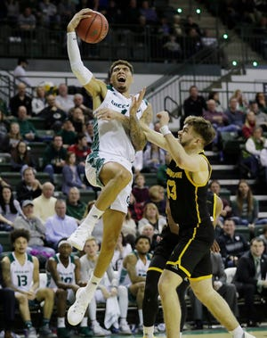 UWGB senior guard Sandy Cohen III has played well in two games against Illinois-Chicago this season.
