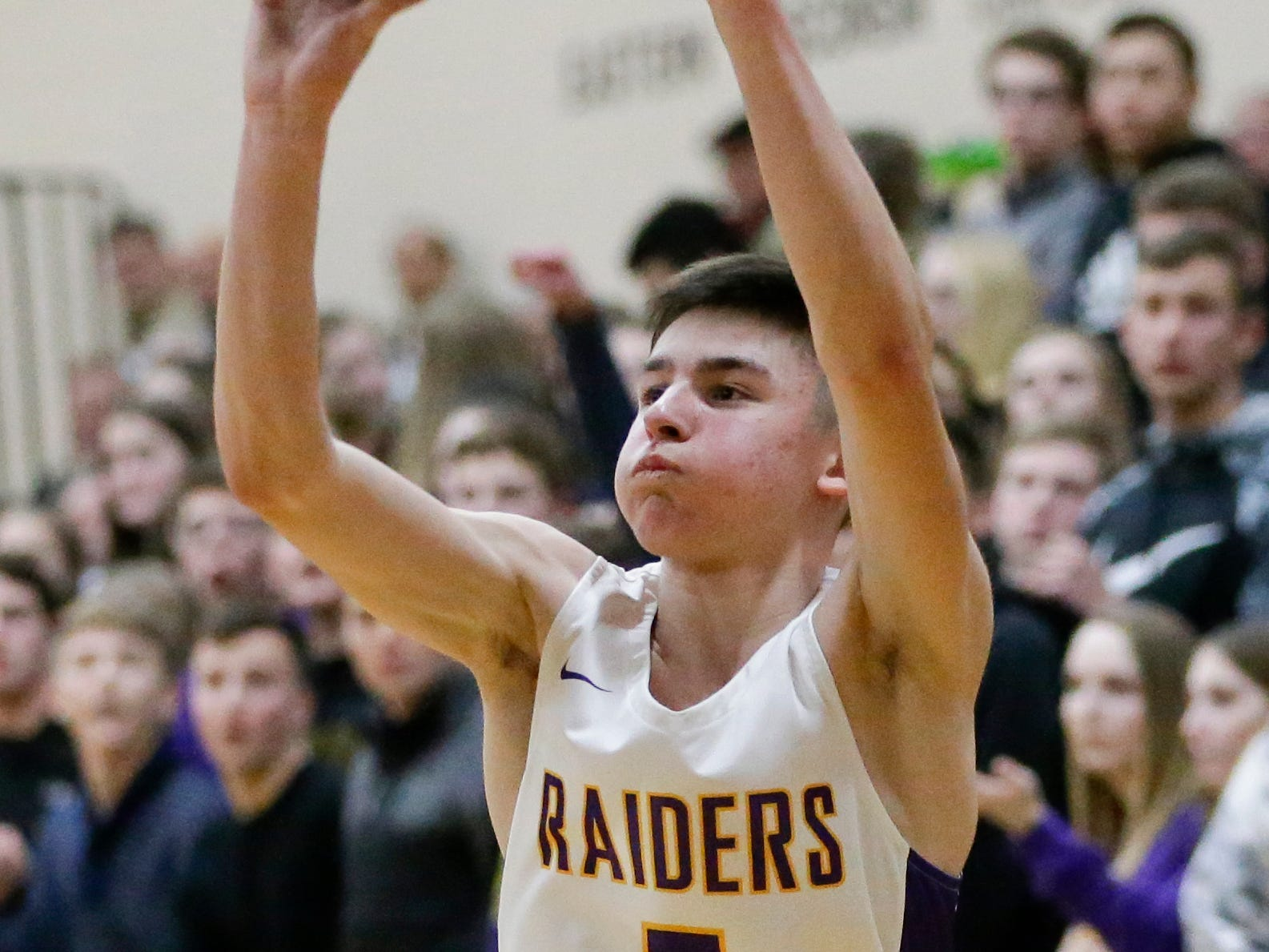 Two Rivers' Luke Pautz shoots against Roncalli at Two Rivers High School Friday, February 1, 2019, in Two Rivers, Wis. Joshua Clark/USA TODAY NETWORK-Wisconsin