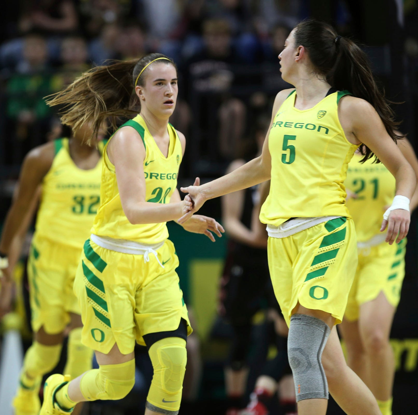 Live updates: Oregon Ducks women lose key player vs. Oregon State