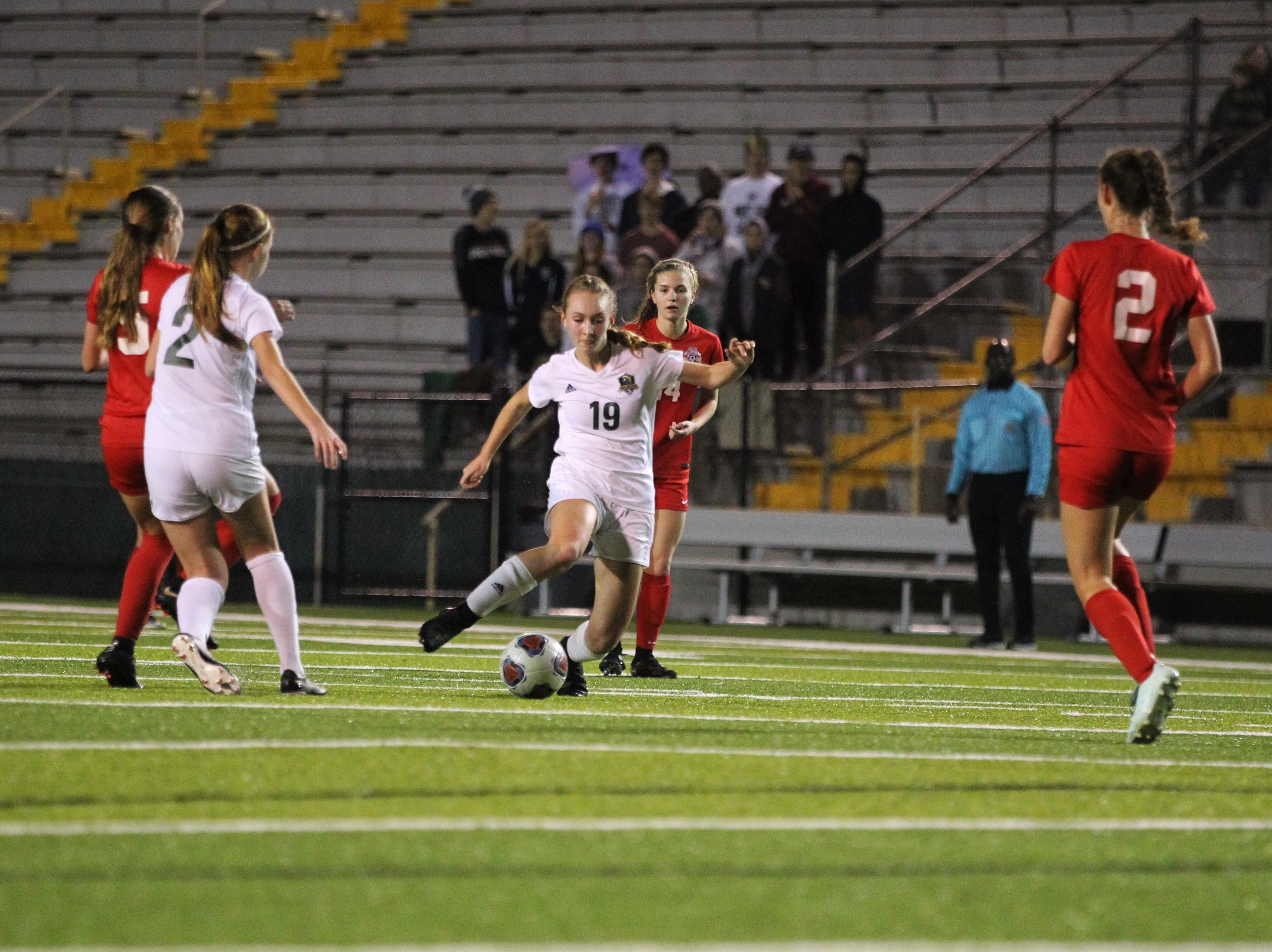 Lincoln's Lexi Gray dribbles in the midfield as Leon's girls soccer team beat Lincoln 2-1 in the District 2-4A championship at Gene Cox Stadium on Feb. 1, 2019.