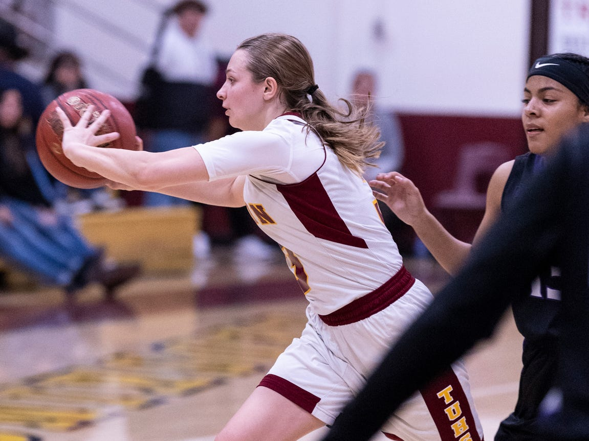 Tulare Union hosts Mission Oak in a girls basketball game on Friday, February 1, 2019.