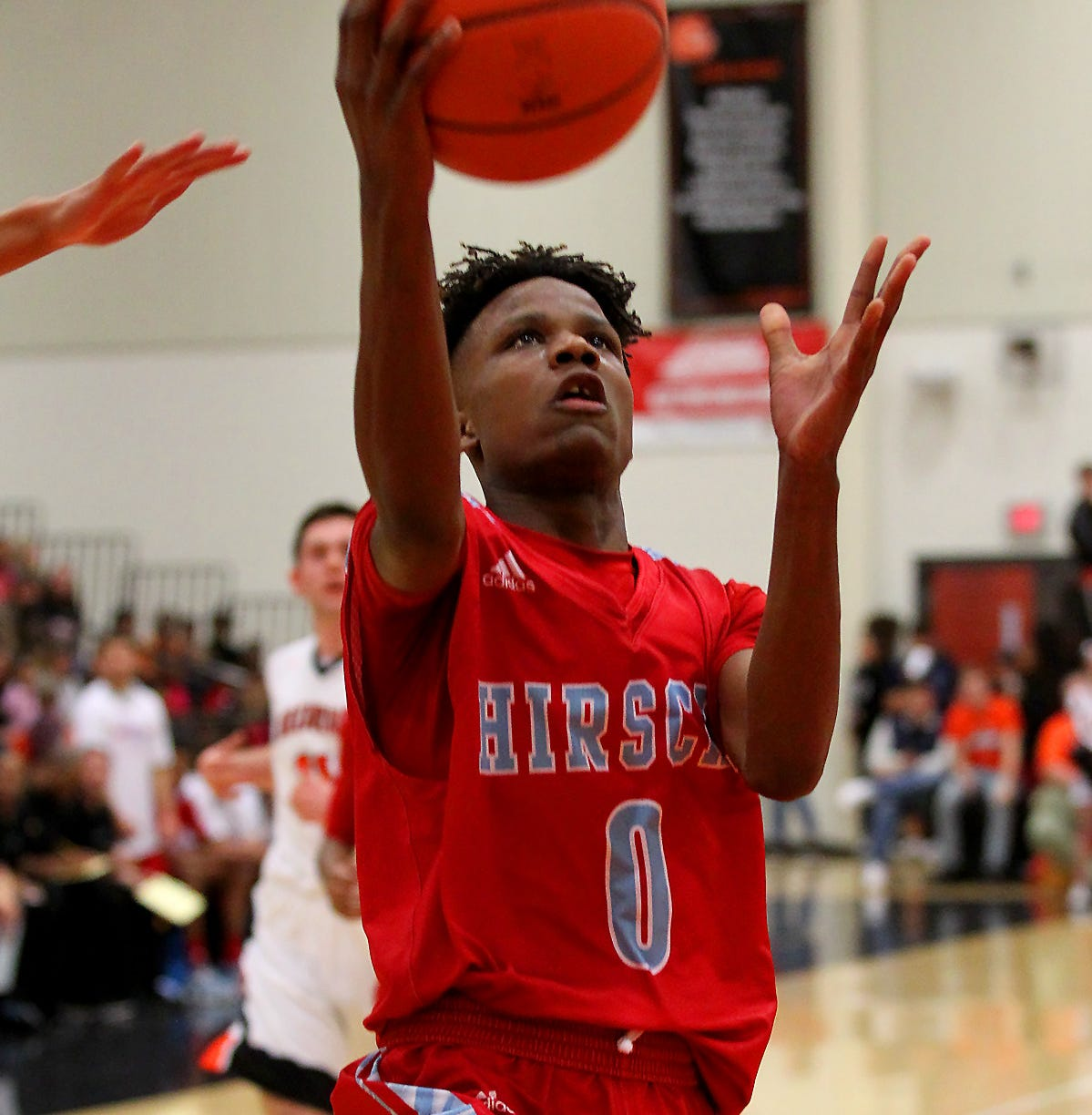 Boys hoops roundup: Hirschi, Graham, Bowie, Windthorst, Seymour advance