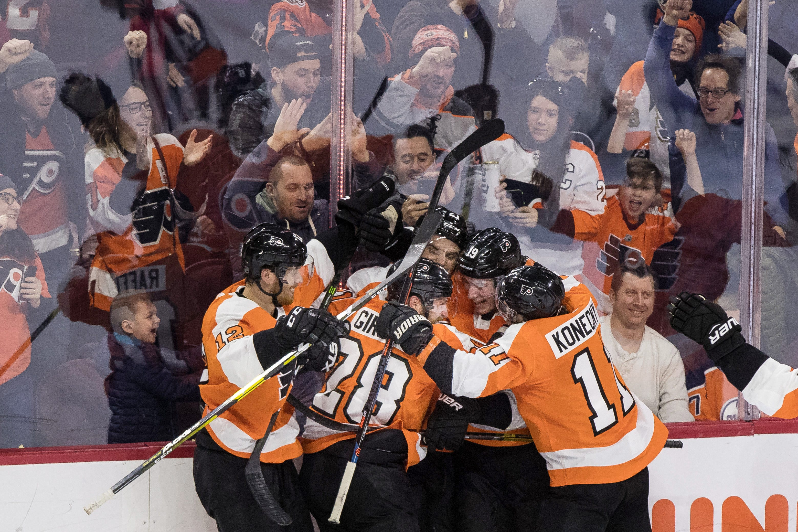 Nolan Patrick scores in OT, Flyers top Oilers 5-4 for seventh win in row