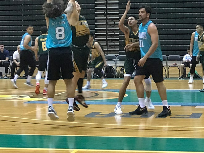 The Bulldogs beat the Tritons 118-91 in the Triton Men's Basketball League.