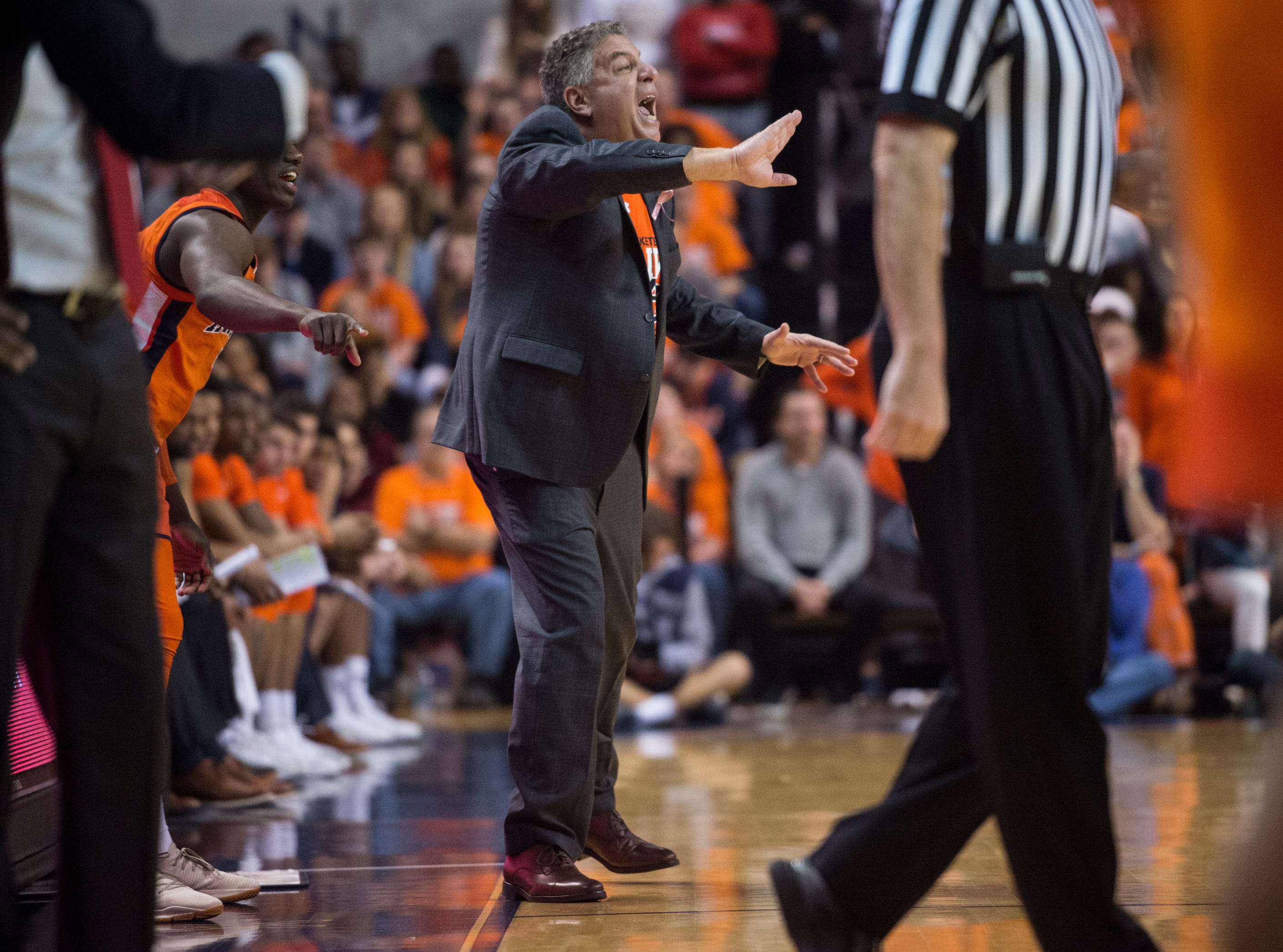 Auburn head coach Bruce Pearl yells at his team from the bench at Auburn Arena in Auburn, Ala., on Saturday, Feb. 2, 2019. Auburn leads Alabama 48-28 at halftime.