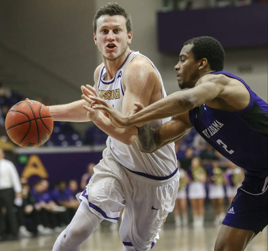 Garrison Mathews led Lipscomb to its ninth consecutive win Saturday at Allen Aren