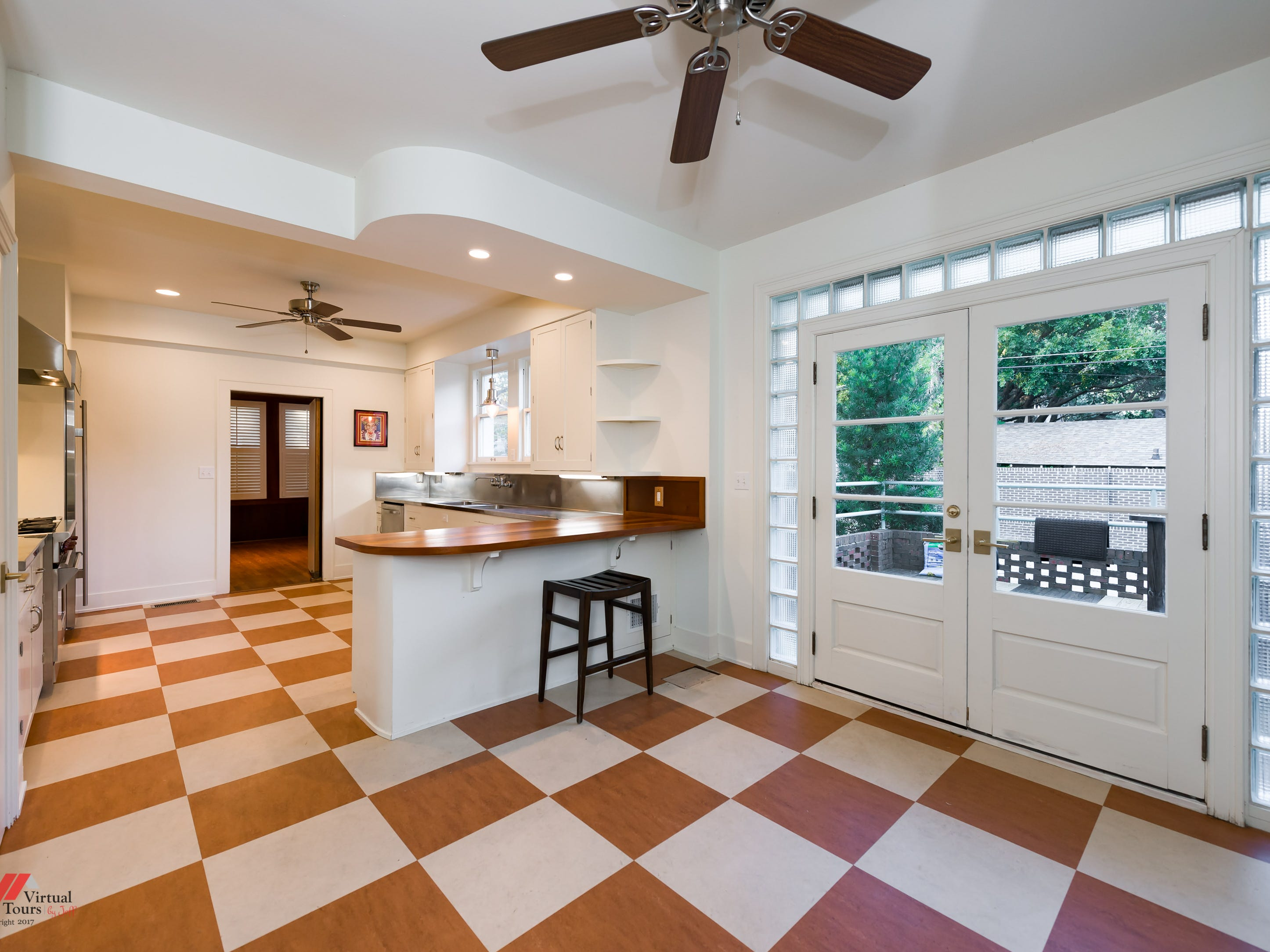 660 Slattery Boulevard, Shreveport Price: $495,000 Details: 4 bedrooms, 4 bathrooms, 3,827 square feet Special features: Historic 1930s Hollywood style home of architectural significance in South Highlands, African mahogany veneer walls and original wood flooring. Contact: Lisa Hargrove, 393-1003