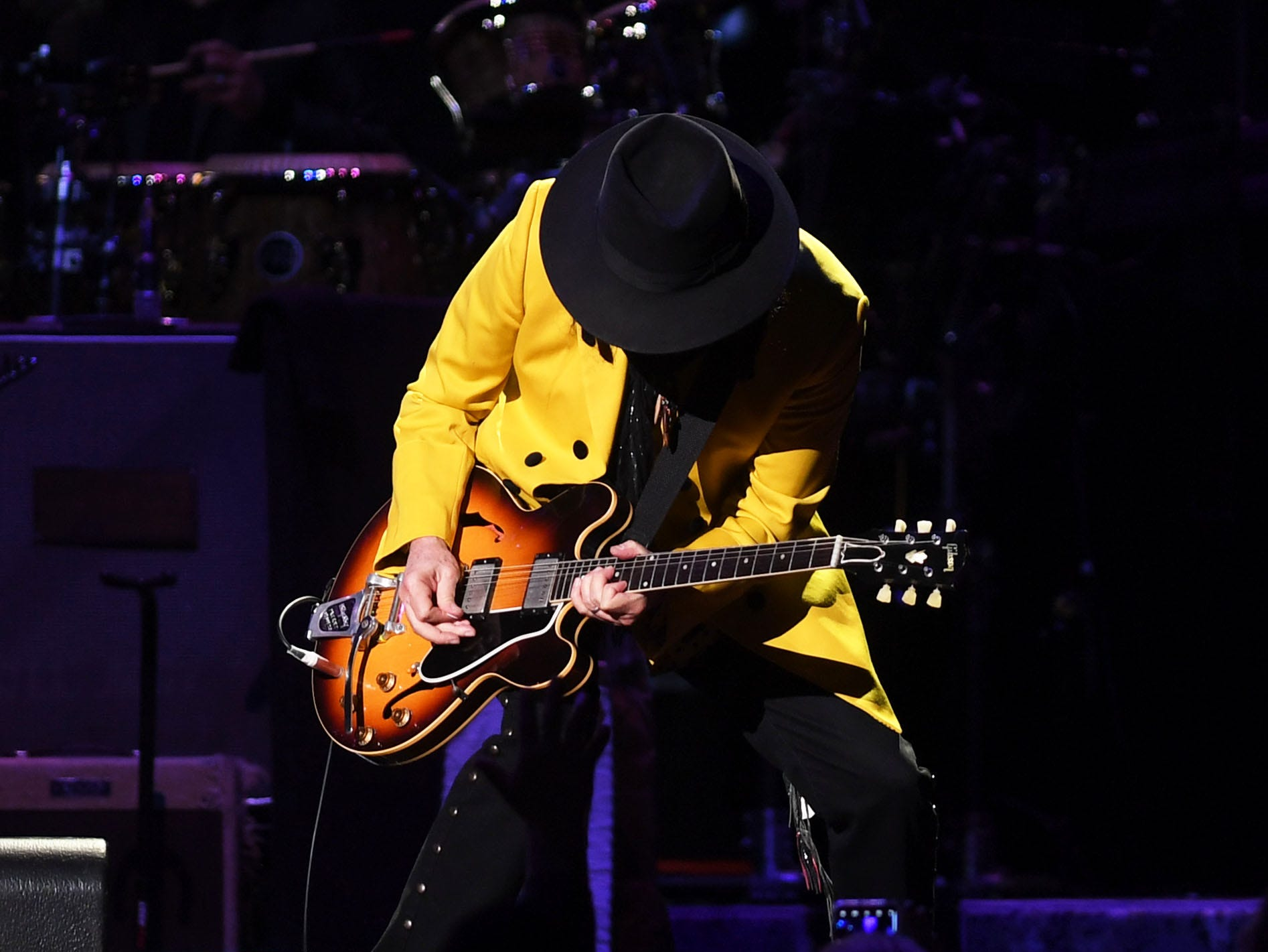 Fleetwood Mac's Mike Campbell performs at the Denny Sanford Premier Center Saturday, Feb. 2, in Sioux Falls. The new lineup included Mick Fleetwood, John McVie, Stevie Nicks, Christine McVie, Mike Campbell and Neil Finn.