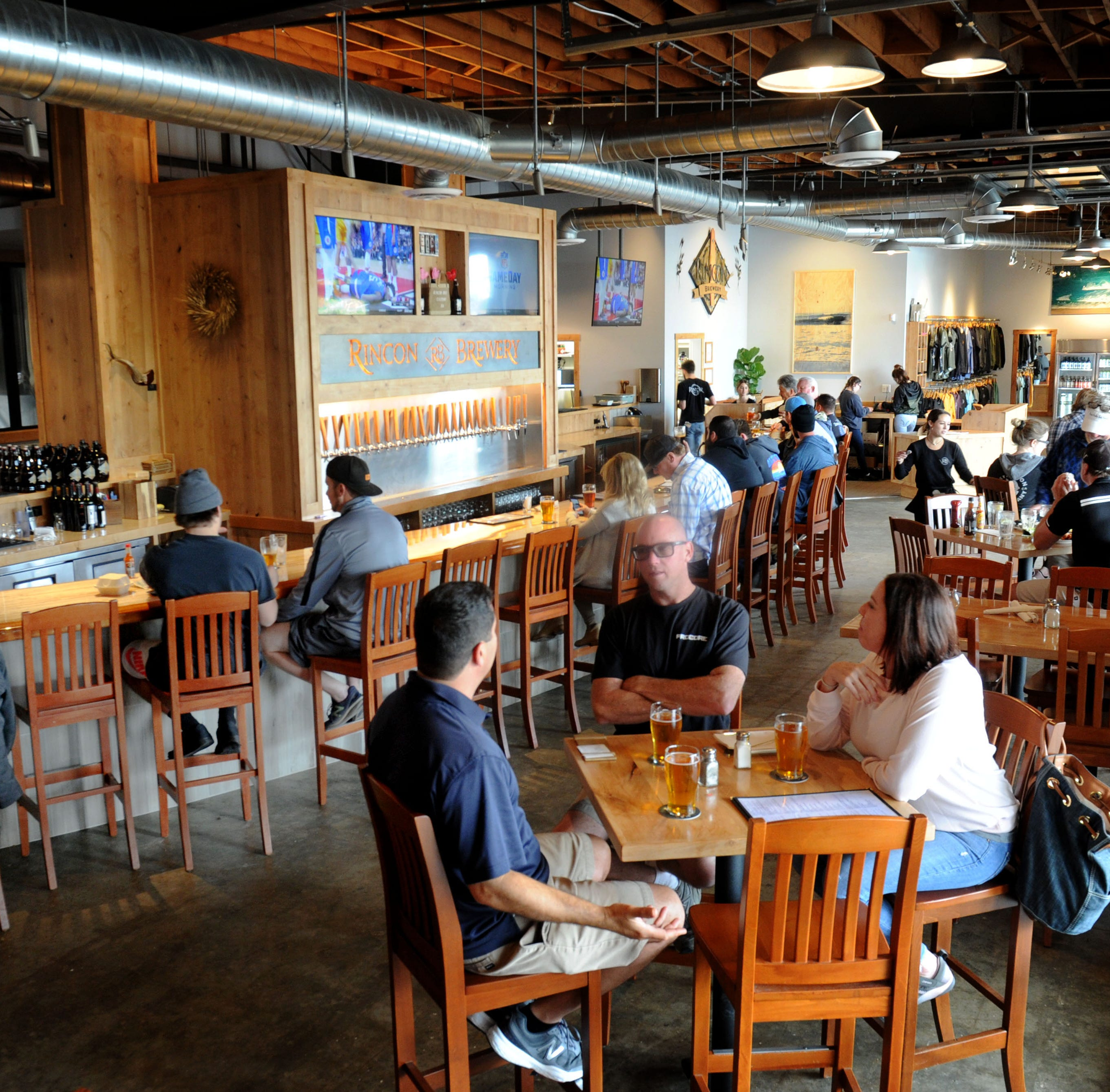 Restaurant review: Ventura's Rincon Brewery offers countless options for brew fans