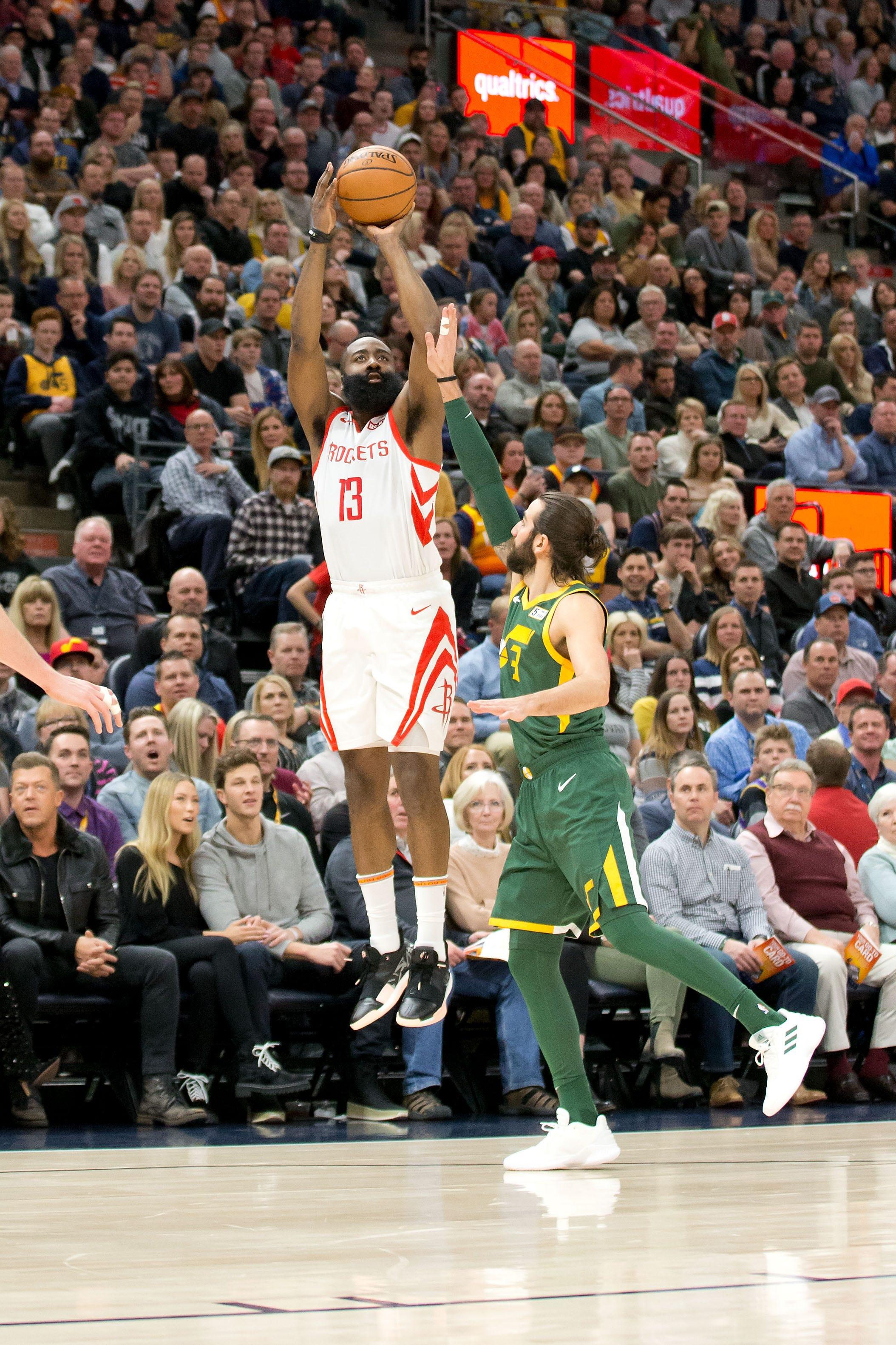 ca81a6f65310 Rockets  James Harden extends 30-point streak to 26