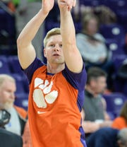 Clemson guard Lyles Davis (3) warms up before the game at Littlejohn Coliseum in Clemson Wednesday, January 16, 2019.