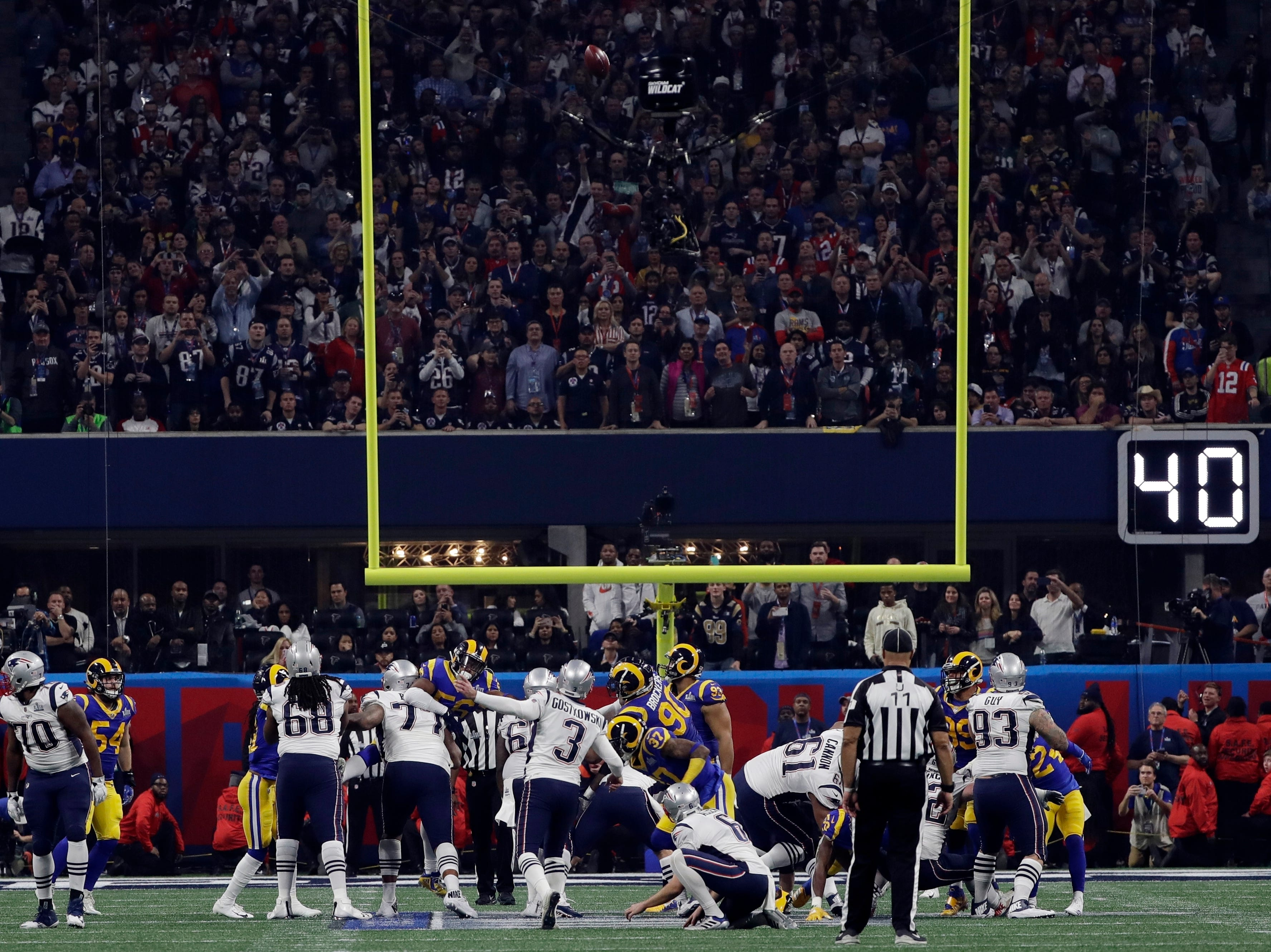 New England Patriots' Stephen Gostkowski (3) scores a field goal, during the second half.