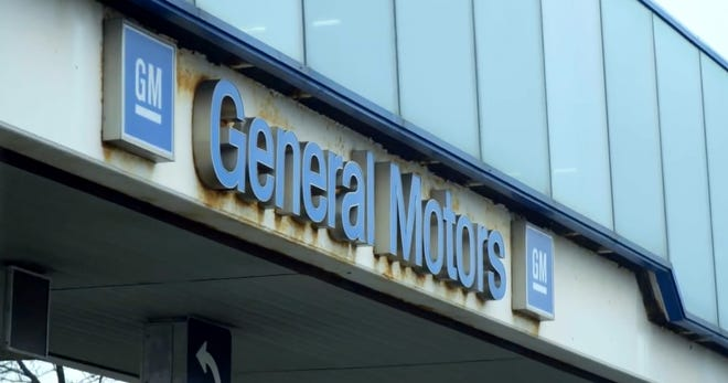 Canada's automaker union took its General Motors boycott campaign to the Super Bowl, airing a commercial in Canada.