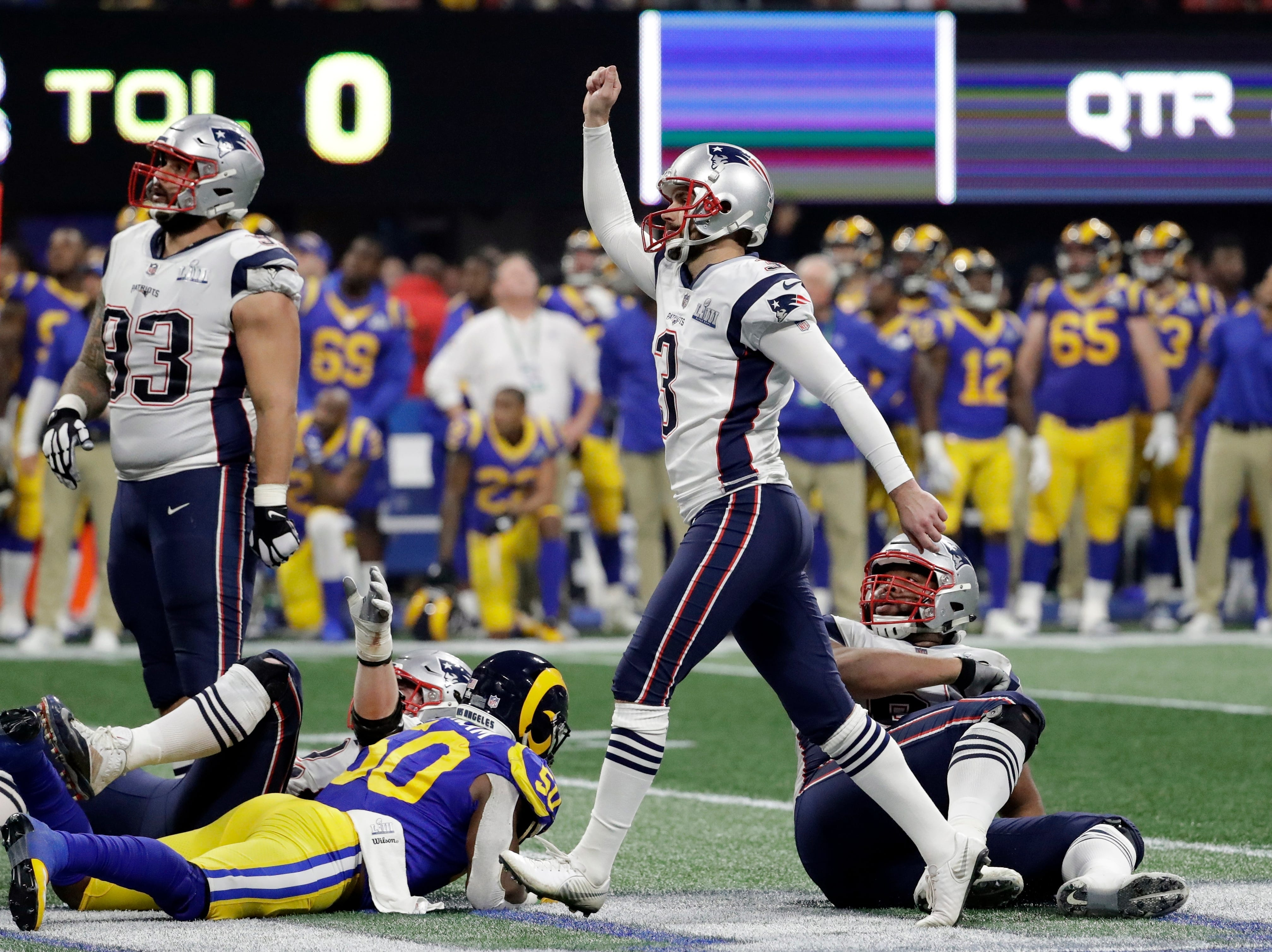 New England Patriots' Stephen Gostkowski (3) gestures after scoring a field goal, during the second half.