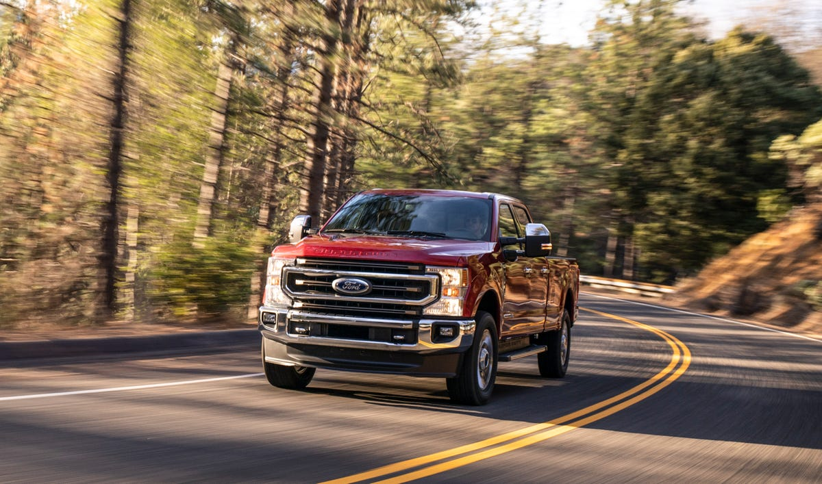 Ford's new Super Duty pickup gets fresh face, technology