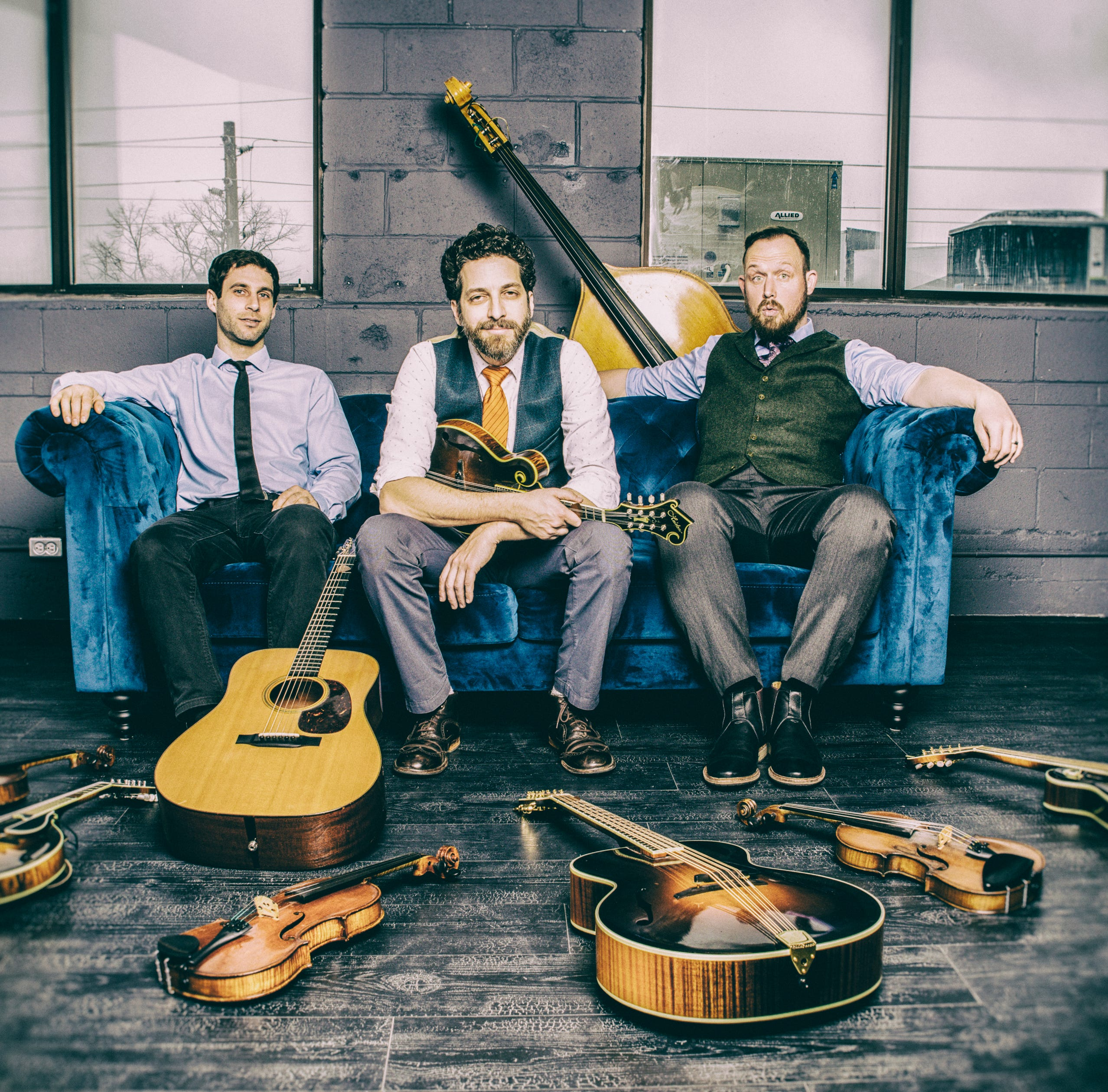 Andrew Collins Trio to blend bluegrass, folk at Clemens Center