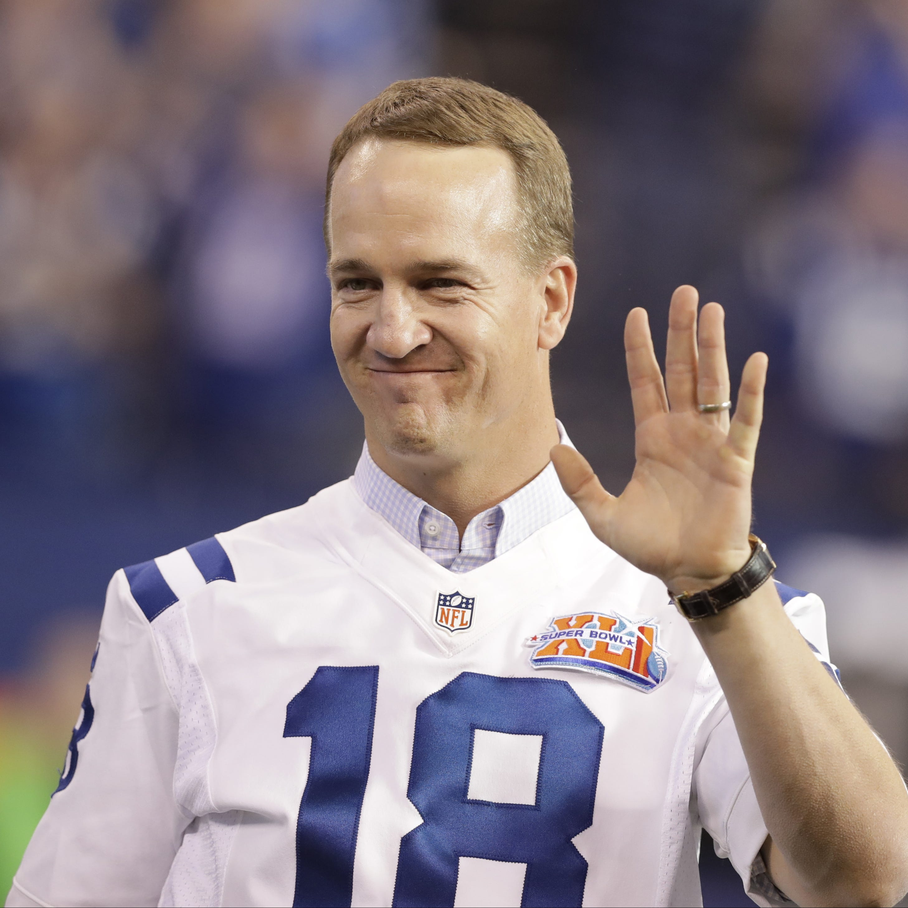 ESPN is pursuing Peyton Manning for Monday Night Football booth according to reports