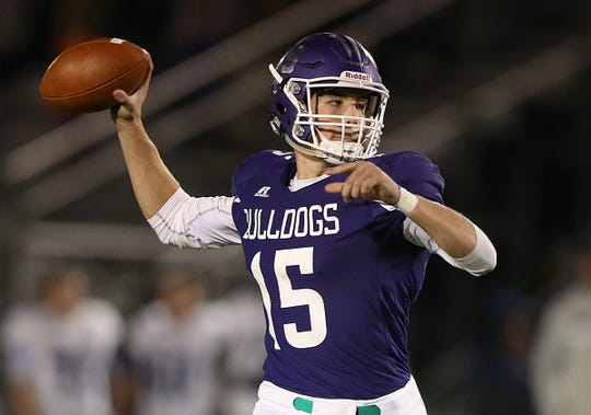 Brownsburg quarterback Hunter Johnson