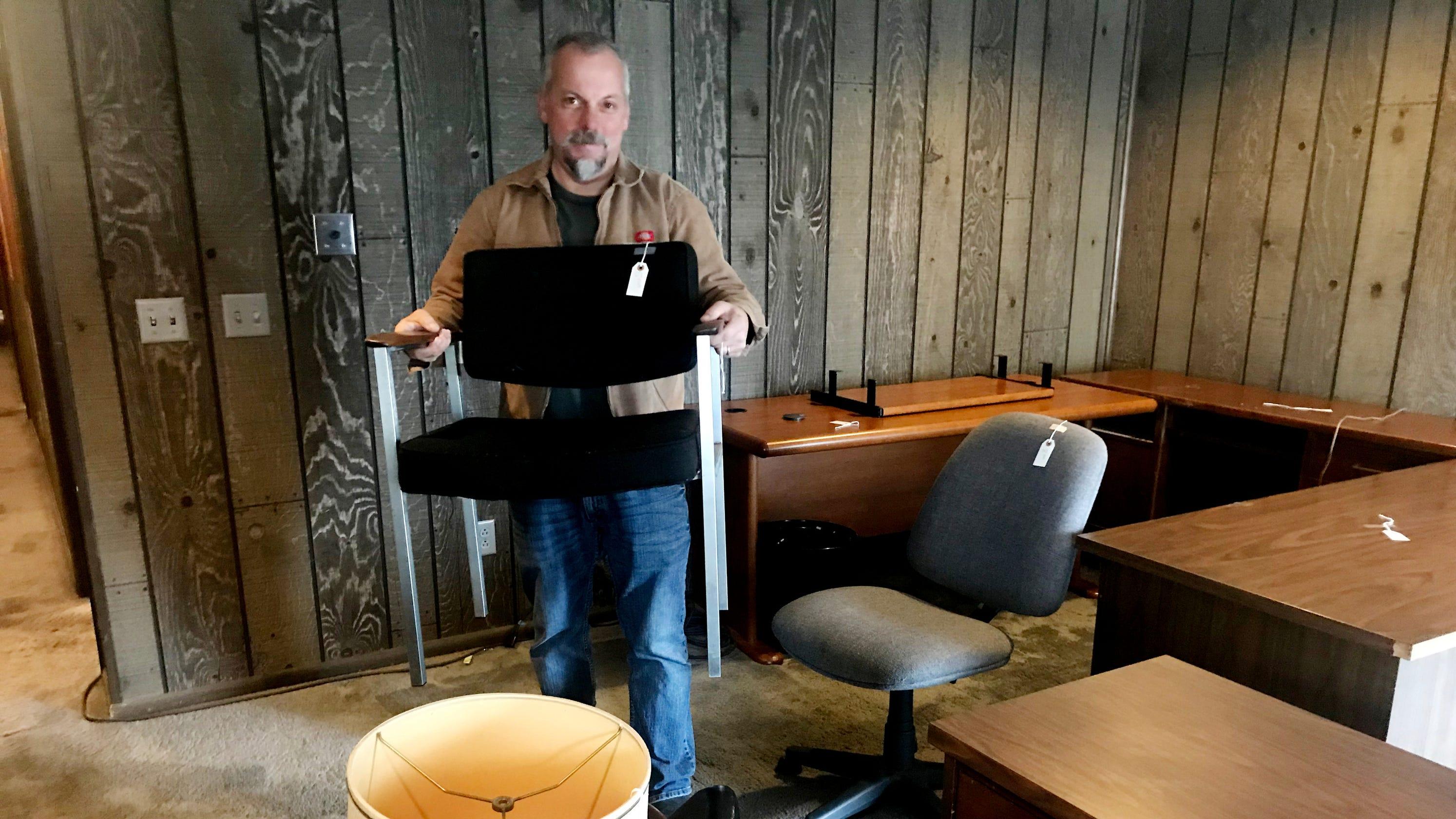 . Nashville Remix used furniture store closes  Treasure Hunters to expand