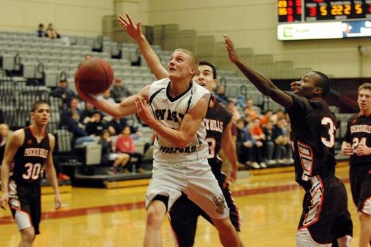 Noah Basket during a game in 2014.