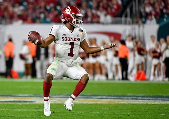 Could Oklahoma Sooners quarterback Kyler Murray (1) go No. 1 in the 2019 NFL draft? An NFL Hall of Famer likes his chances.
