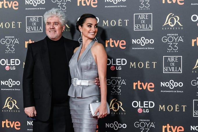 Pedro Almodóvar y Penélope Cruz asisten a la 33ª edición de los Premios de Cine Goya en el Palacio de Congresos y Exposiciones FIBES el 2 de febrero de 2019 en Sevilla, España.