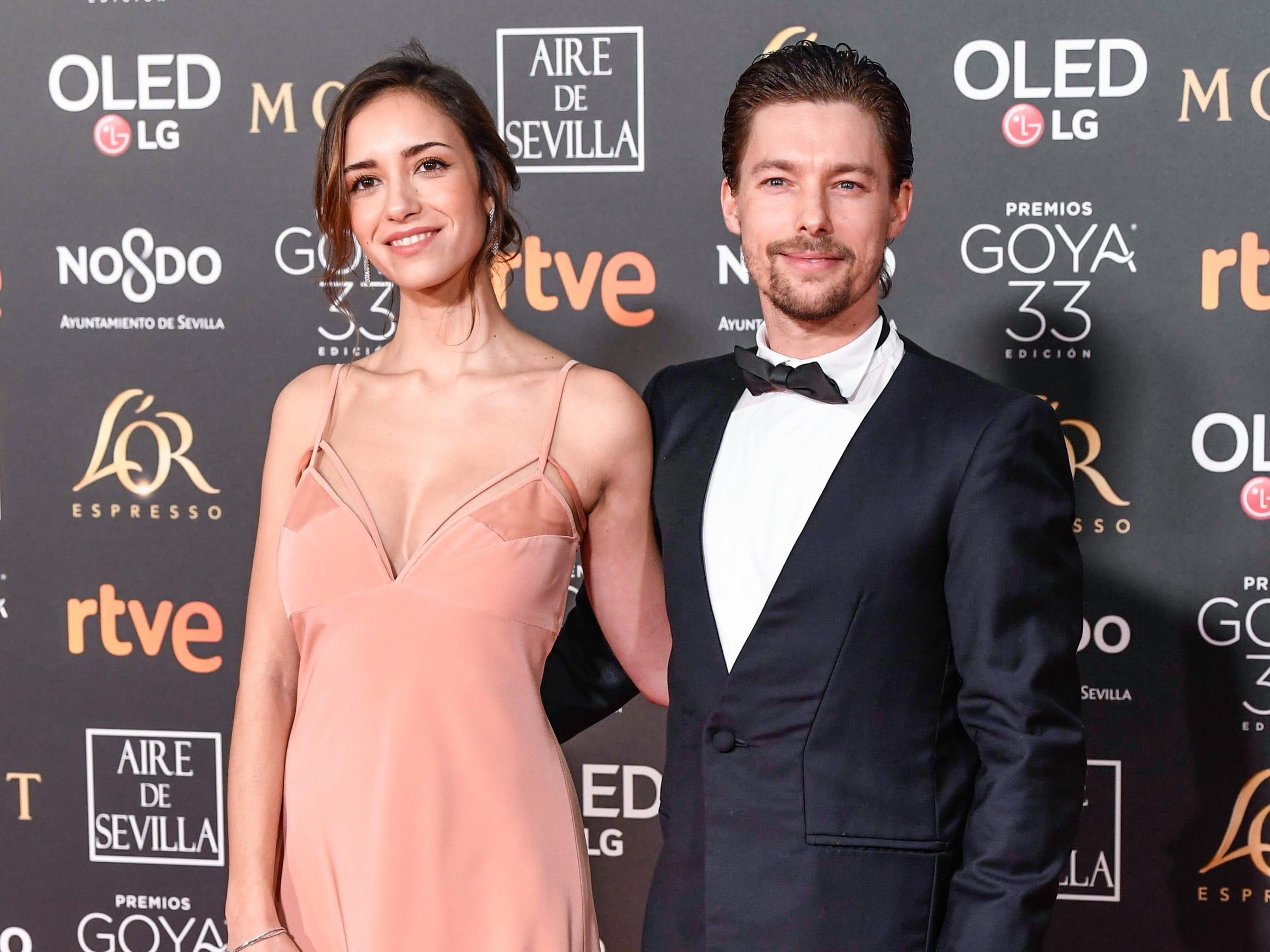 Jan Cornet y Tábata Cerezo asisten a la 33ª edición de los Premios de Cine Goya en el Palacio de Congresos y Exposiciones FIBES el 2 de febrero de 2019 en Sevilla, España.