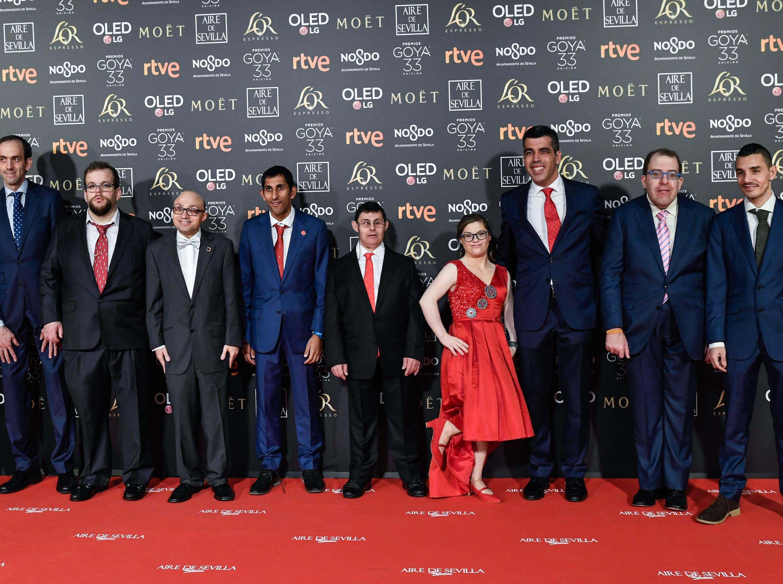 El elenco de 'Campeones', incluyendo a  Jesus Vidal, Stefan Lopez, Fran Puentes, Gloria Ramos y Roberto Chinchilla asiste a la 33ª edición de los Premios de Cine Goya en el Palacio de Congresos y Exposiciones FIBES el 2 de febrero de 2019 en Sevilla, España.