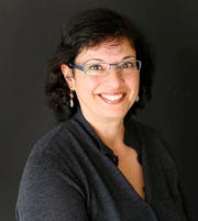 New York Times immigration and asylum issues journalist Sonia Nazarino speaks at Shasta College on Feb. 6.
