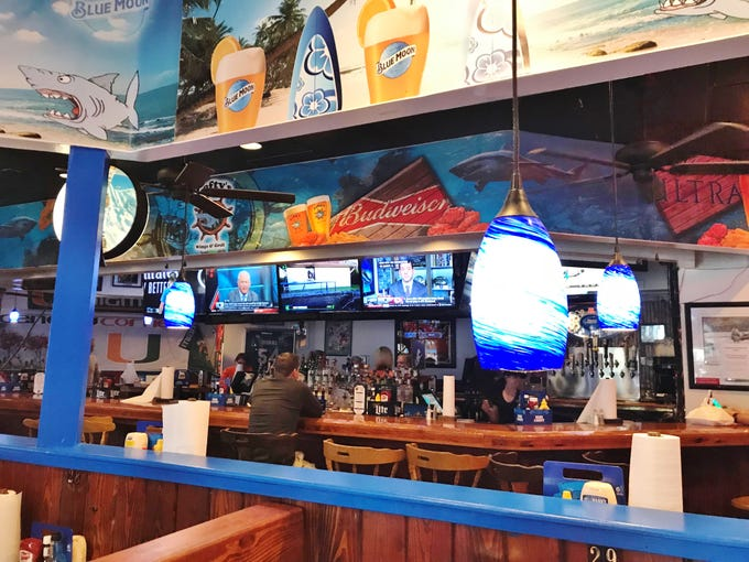 Lefty's is a welcoming family-friendly sports bar.