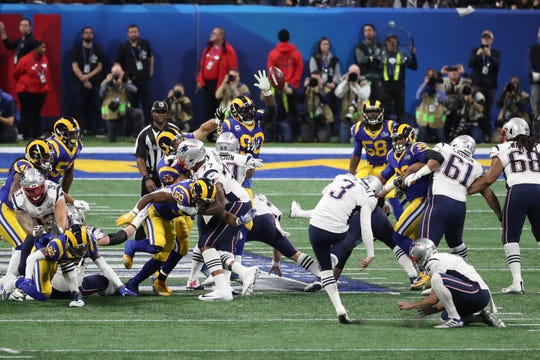 New England Patriots kicker Stephen Gostkowski (3) misses a 46-yard field goal attempt against the Los Angeles Rams during the first quarter of Super Bowl LIII.