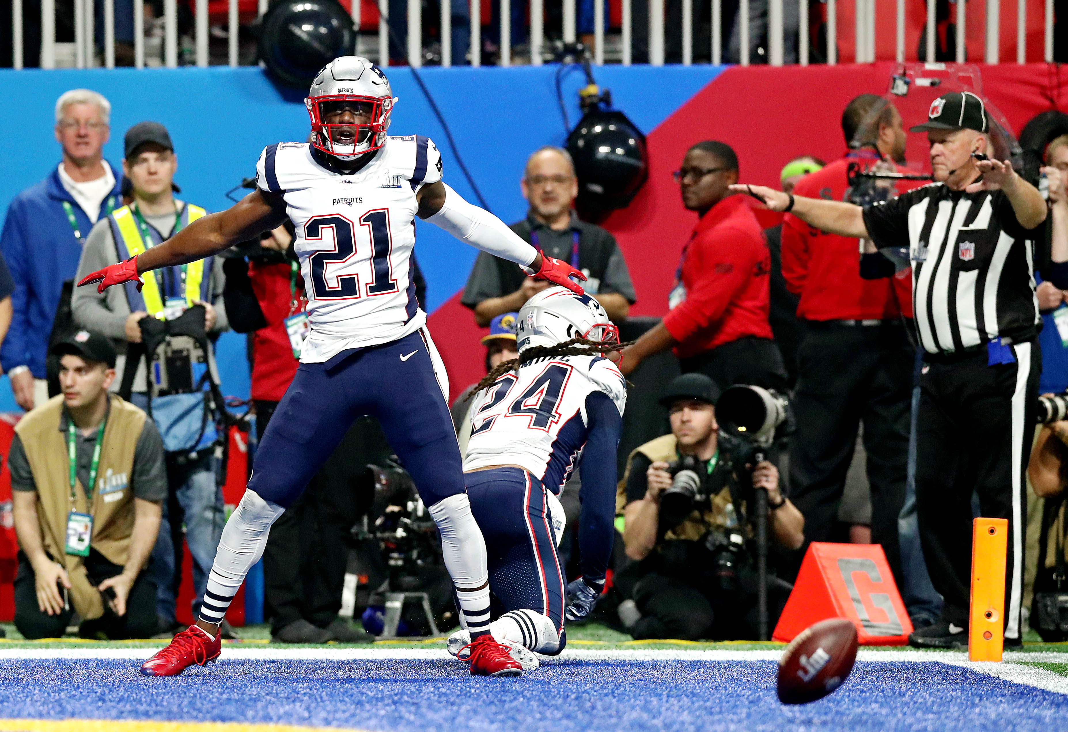 Patriots' Duron Harmon says he won't visit White House after Super Bowl but would welcome Barack Obama meeting