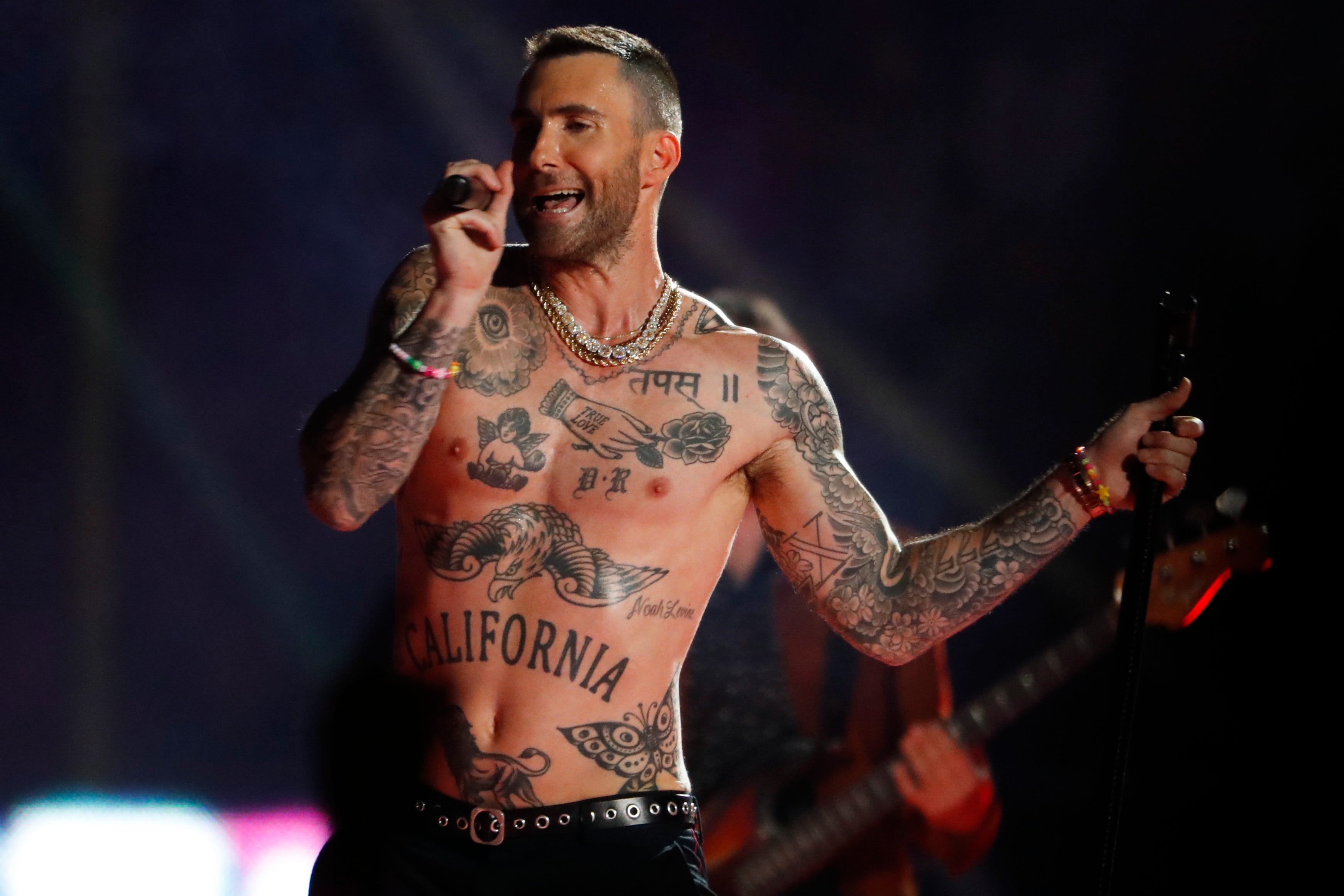 Review: Maroon 5 delivers a vanilla halftime show, avoids being the worst ever