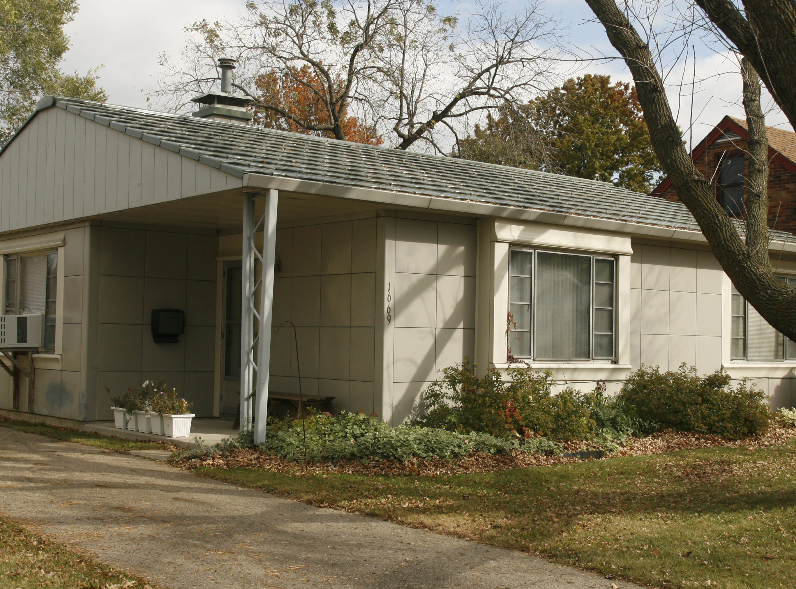 Alex Brown's Lustron home in Des Moines shown in a 2006 file photo.