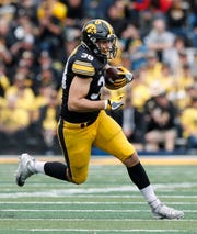 TE T.J. Hockenson, Iowa: This is a deep draft at tight end, and the Lions might be in a sweet spot to land one at the top of Round 2. There's no consensus No. 1 tight end right now between Hockenson, Alabama's Irv Smith and Hockenson's Iowa teammate, Noah Fant, and one or more of those will go in the first round.