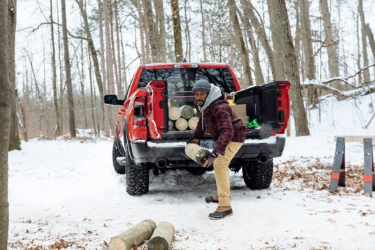 The 2019  Ram 1500's tailgate is split 60/40 and hinged on the side for easy access. It also opens down like traditional tailgates.