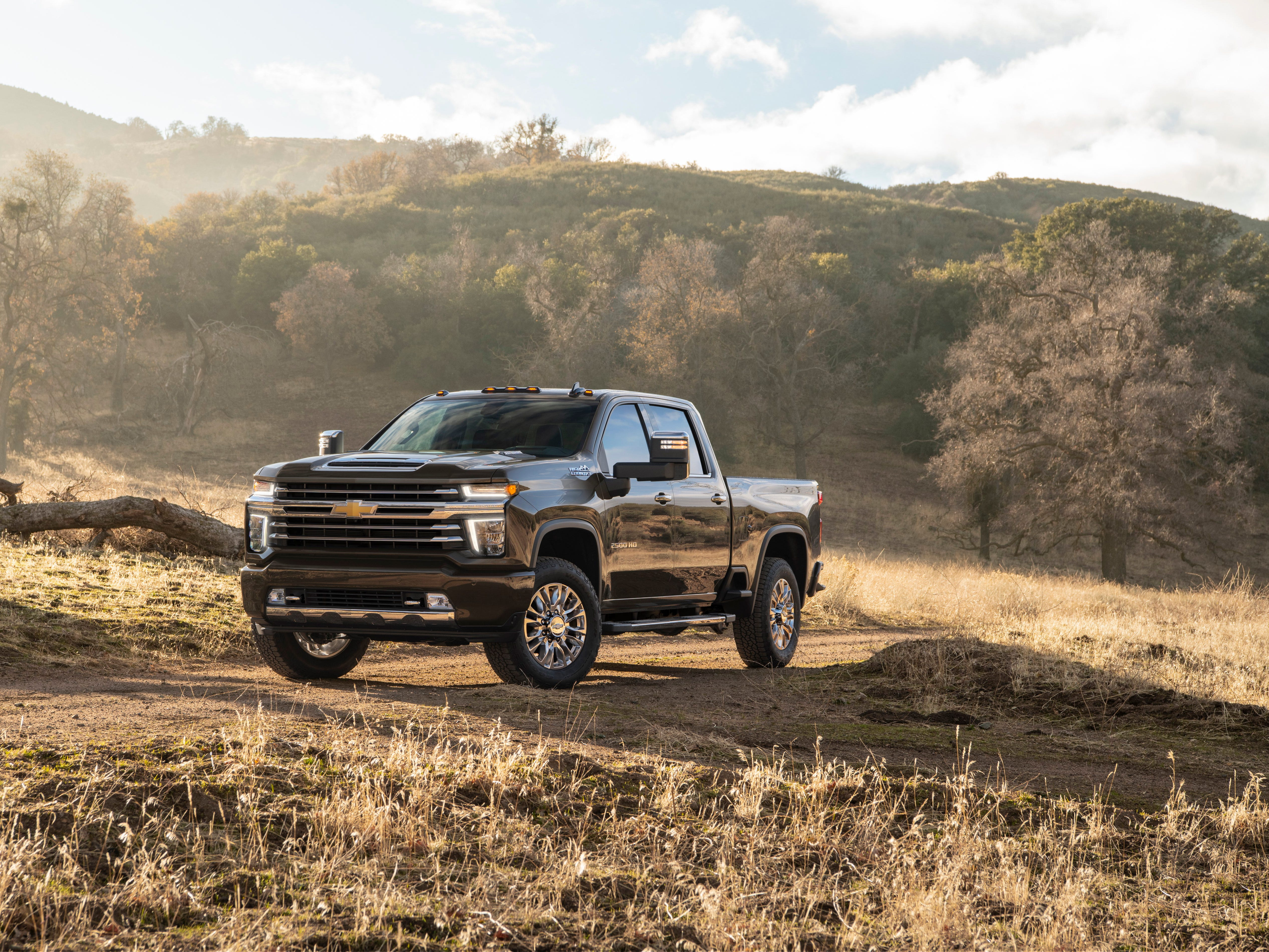 The Silverado HD trucks' new exterior design differs from the light-duty Silverado that debuted at the Detroit auto show last year.  This is the 2020 Chevrolet Silverado 2500 HD High Country.
