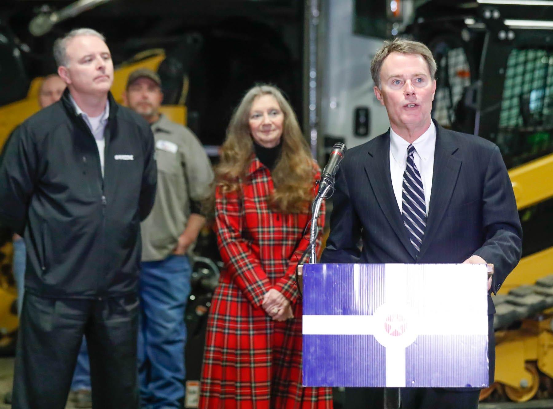 Indianapolis to undertake longer-lasting pothole fixes starting next Monday, Hogsett says