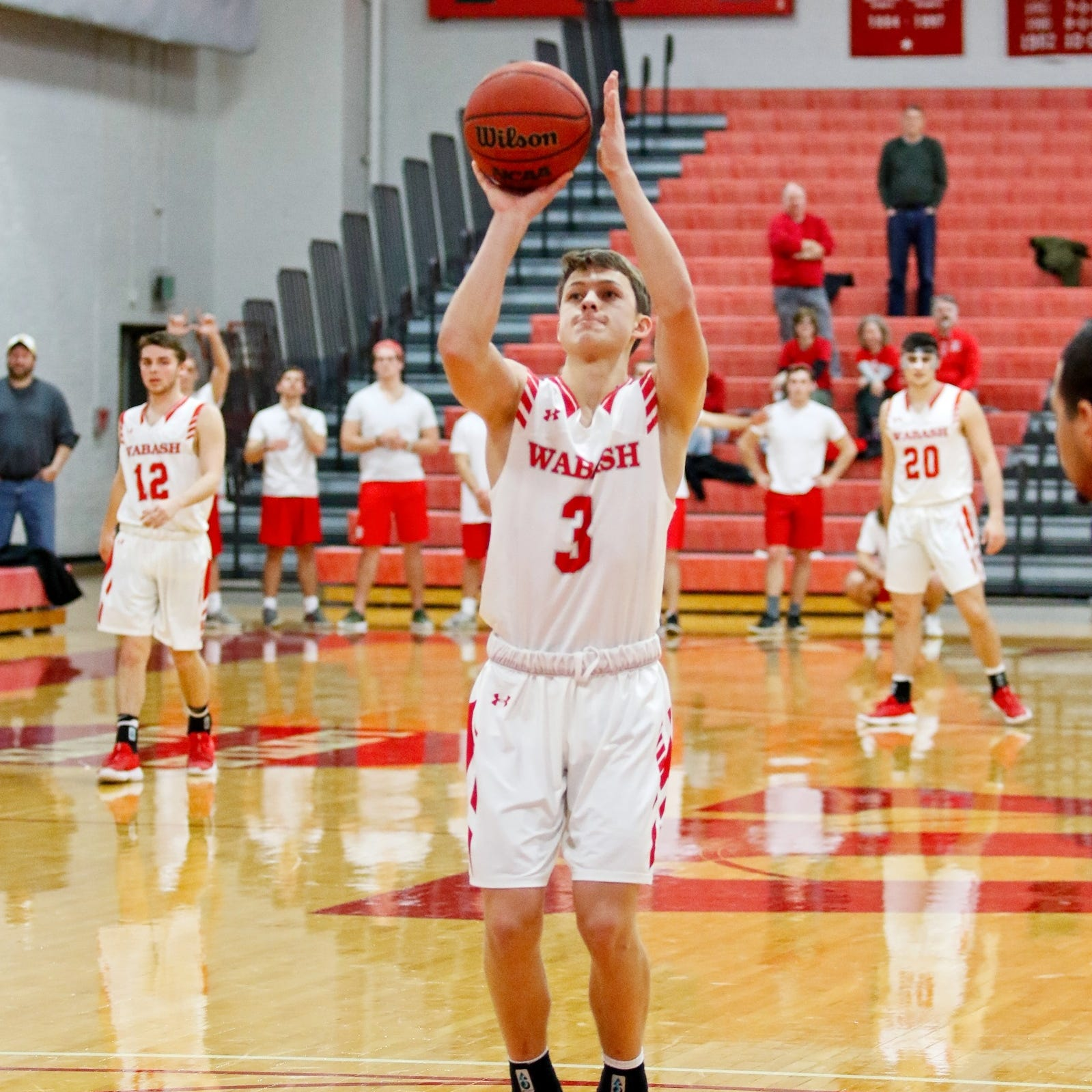 Wabash's Jack Davidson breaks NCAA record for consecutive free throws then... misses his next one