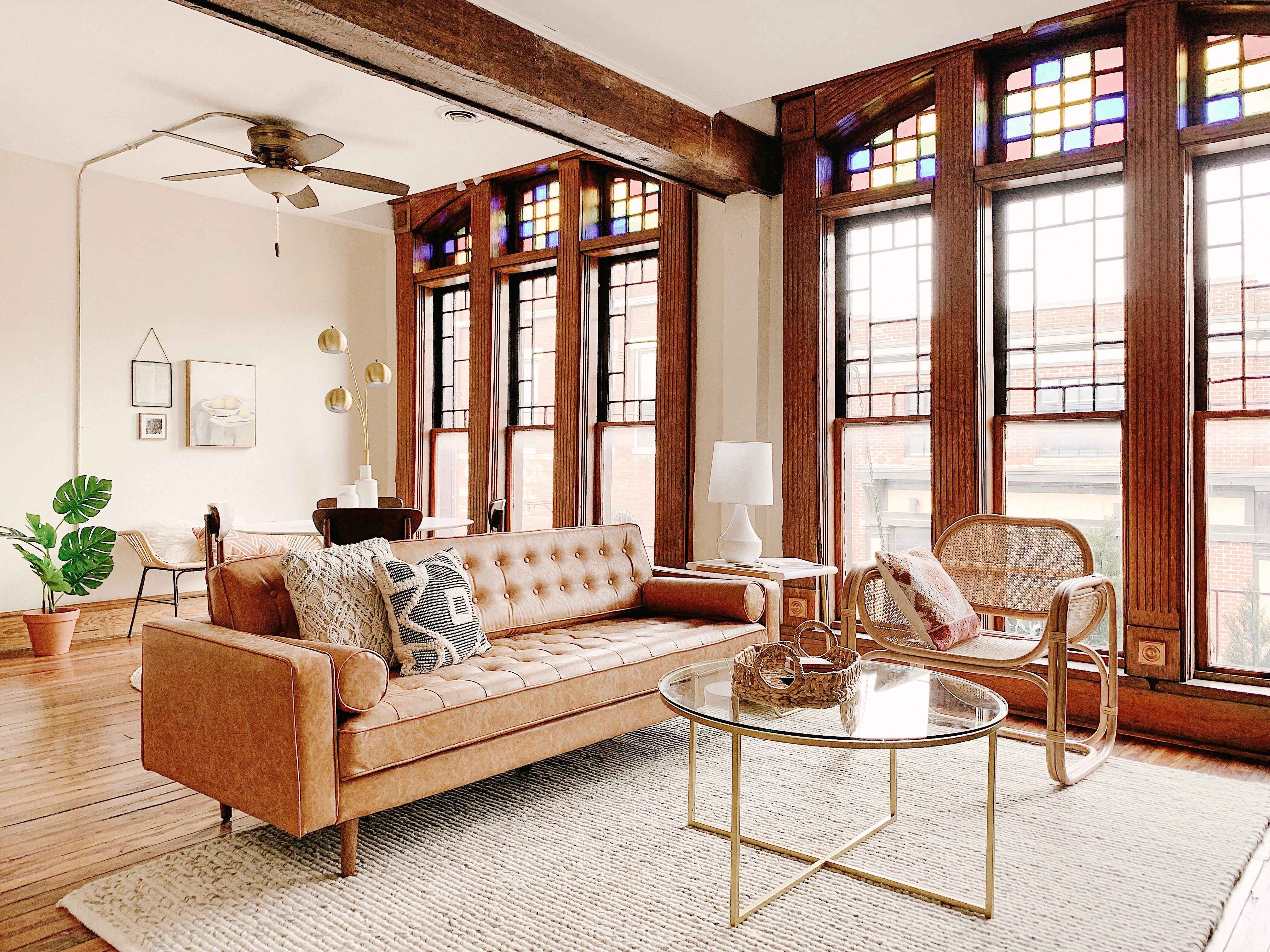 An East Jackson Avenue loft for rent on Airbnb. This Old City apartment is managed by Knox Staytion, a short-term rental company owned by Dylan and Suzanne Robinson.