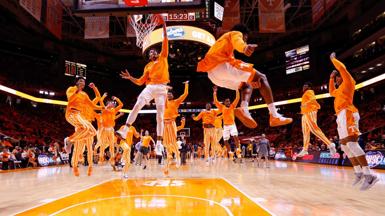 UT Vols: How Tennessee Basketball Pregame Dunk Sensation