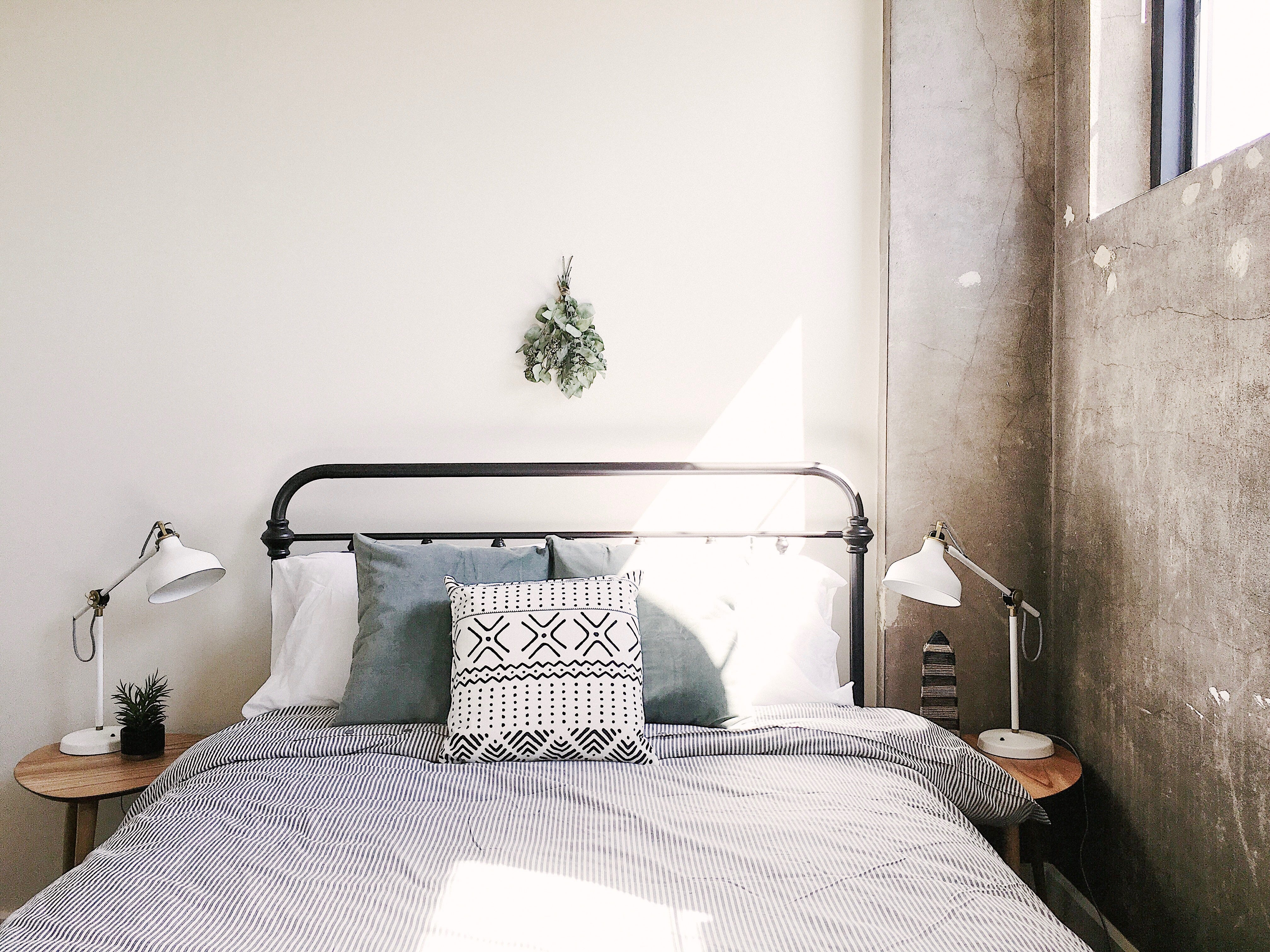 A South Gay Street loft for rent on Airbnb. It is managed by Knox Staytion, a short-term rental company owned by Dylan and Suzanne Robinson.