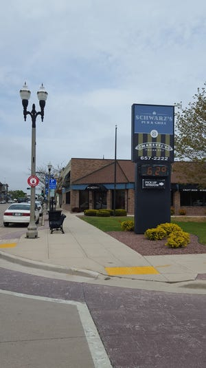 Schwarz's Pub and Grill
