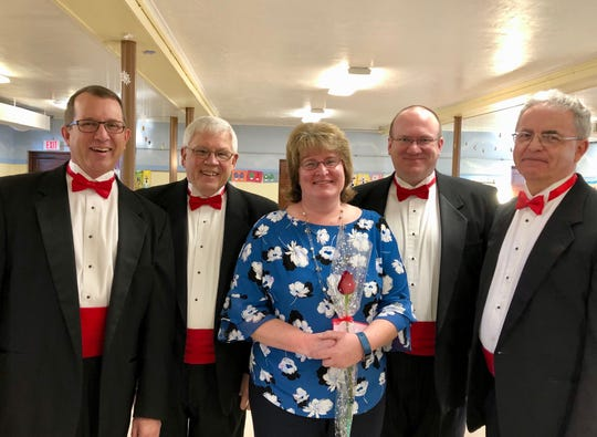 Manitowoc's Clipper City Chordsmen will be delivering singing Valentines this Valentine's Day.