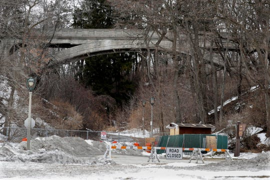 Ravine Road from Lincoln Memorial Drive has been blocked to motorists since 2014.