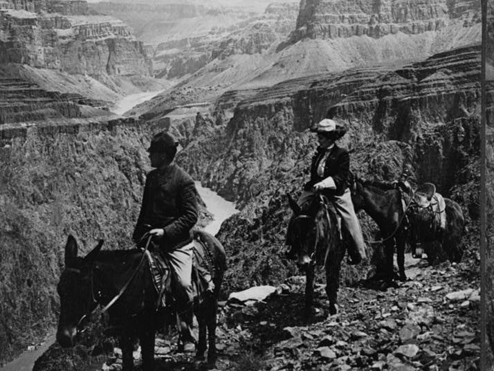 Visitors pause at a Grand Canyon overlook, 1906.
