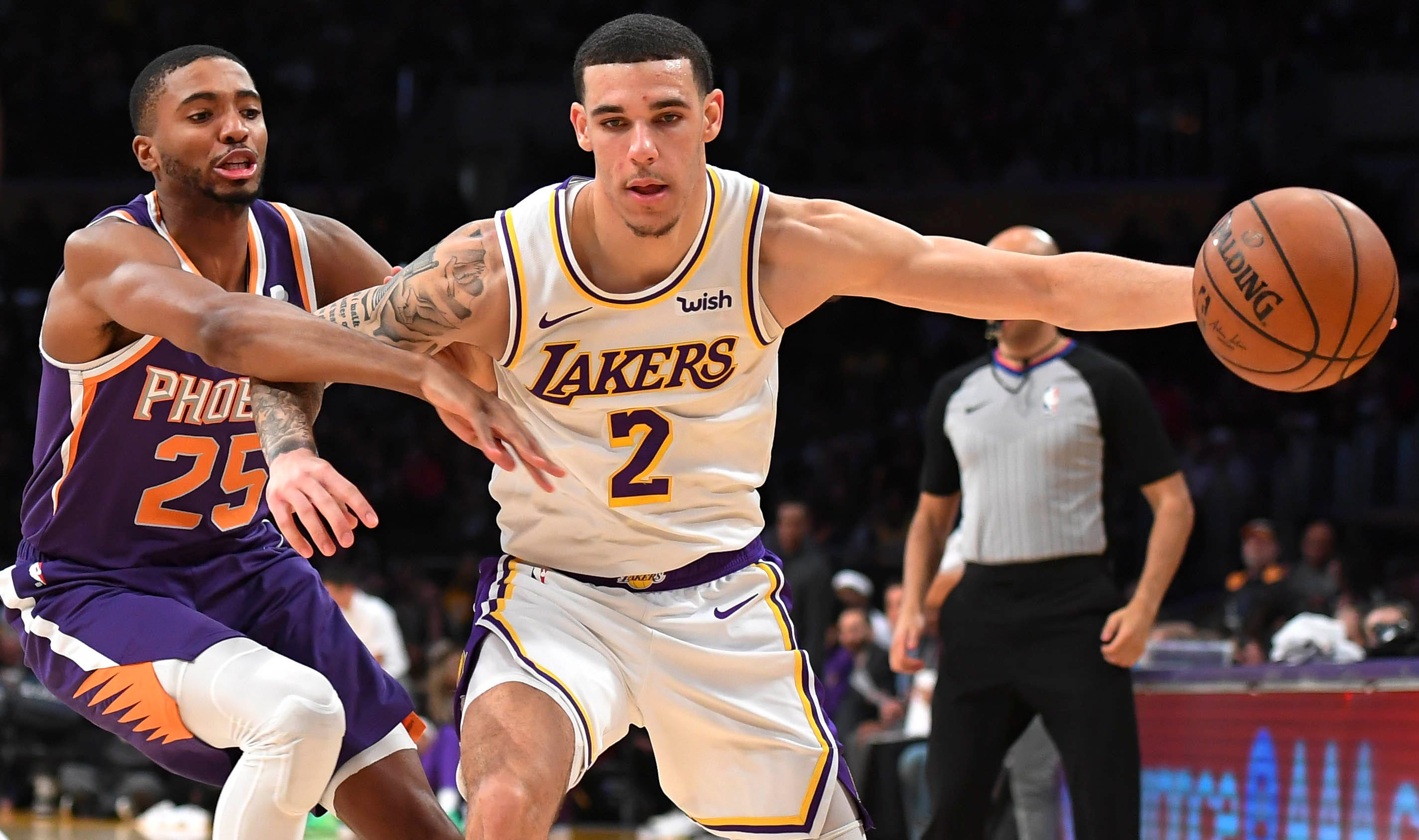 Lonzo Ball makes Suns safe 1/three group to affix Lakers, Pelicans in Anthony Davis substitute