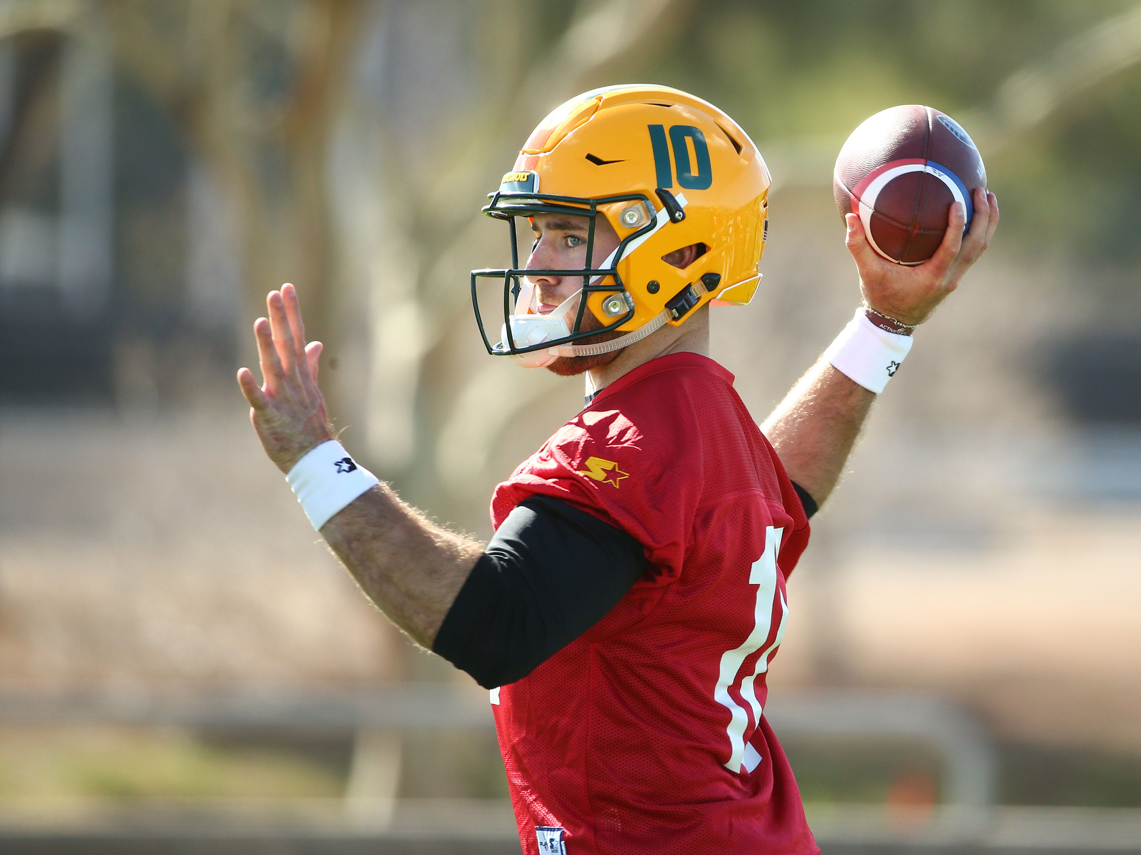 Hotshots starting quarterback Trevor Knight throws the ball during a practice Feb. 5 at State Farm Stadium.